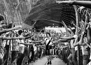 Deus de calção e chuteira. Foto vencedora do Prêmio Esso em 1977.
